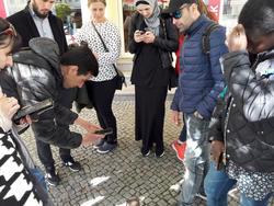 Teilnehmer zweier Deutschkurse der Kreisvolkshochschule auf Spurensuche in puncto deutscher Geschichte in Finsterwalde.